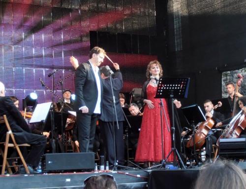 Novogodišnji koncert na trgu